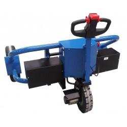 <p>Ce <strong>transpalette tout terrain</strong> <strong>équipé d'un moteur de traction 1000W</strong>vous permet le transport de palettes sur des sols irréguliers, là où un transpalette standard ne peut s'aventurer.<br />Capacité 1200 Kg</p>