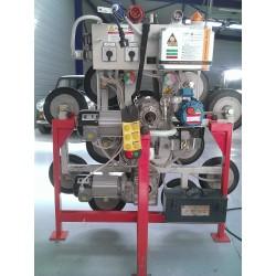 <p>VENDU / Palonnier capacité 1200 Kg pour la manutention de vitrage ou tôle. Rotation et basculement électrique, radio commande de contrôle</p>