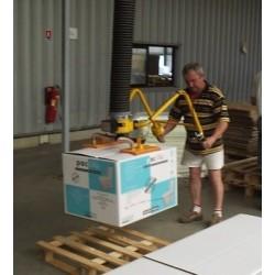 <p>Manutention de carton type industriel, de tailles diverses<br />Avec un poids standard constaté supérieur à 35 Kg</p>
