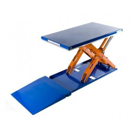 """<p>Capacité de la <a href=""""https://palvac.com/6-table-elevatrice"""">plateforme de levage</a>: 1000 Kg / Plateau de 1350*1000 mm / Hauteur maxi : 900 mm / Moteur de 0.75 Kw/Haute qualité de fabrication Européenne.</p>"""
